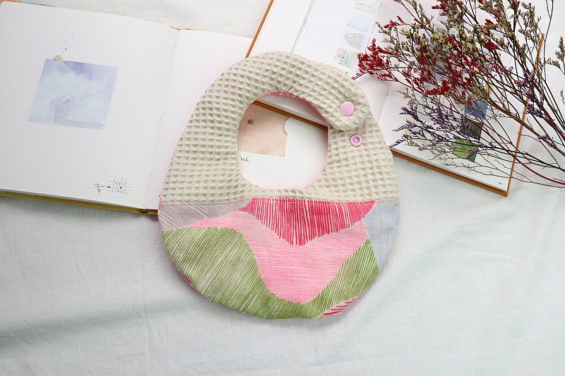 Hello baby系列。八重紗口水巾│圍兜:::手繪線條