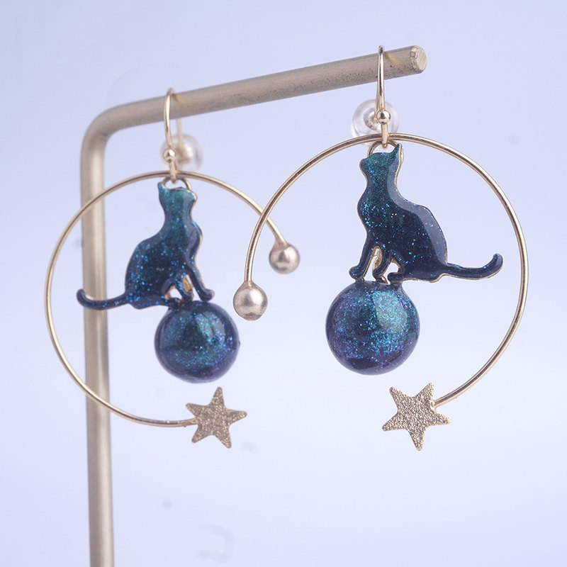 Cat philosopher under the stars hand-painted resin 18k gold-plated earrings ear hook original gift