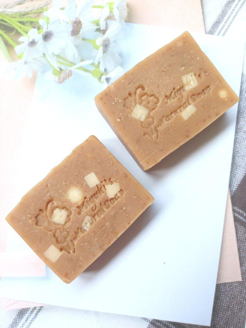 溫柔 - 蜂蜜燕麥牛奶皂 ( 溫柔呵護您的肌膚 )