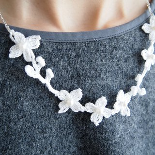Customized Japanese Handmade Butterfly Flower Necklace