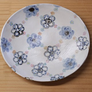 Oval dish of flower blue flower.