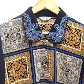 │Slowly│ Embroidered gemstones - vintage shirts │vintage. Retro. Literature