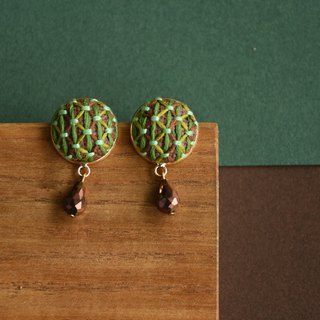 甄 girl handmade original green grid embroidery round earrings