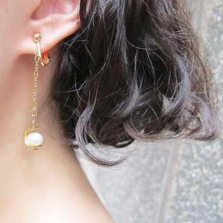 Meteors - White Freshwater Pearl Ear Clips
