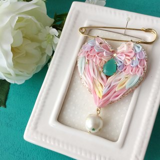 Heart wings Brooch · Pink
