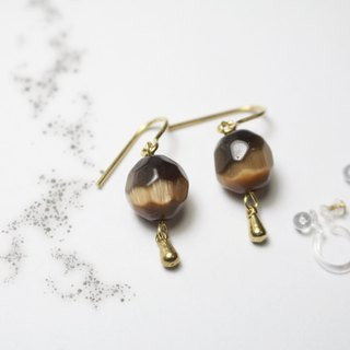 // Cat's eyelids earrings brass cat's eye pierced ear clip brown // ve102