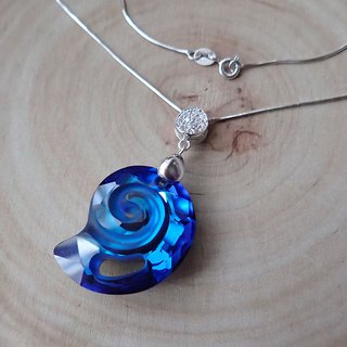 Lightup workshop - Sea Snail necklace with SWAROVSKI ELEMENTS