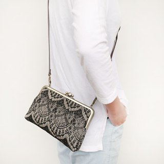 (Increase) Baroque two large shoulder bag / mobile phone bag / mouth gold bag [made in Taiwan]