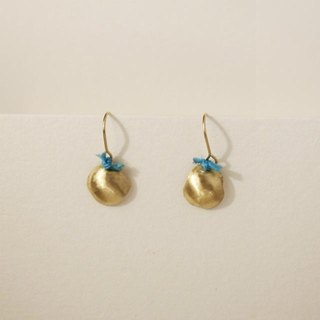 18 karat gold hook earrings: Single Blue