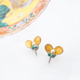 Butterfly in Love with Flowers NO.8 | Handmade stainless steel earring