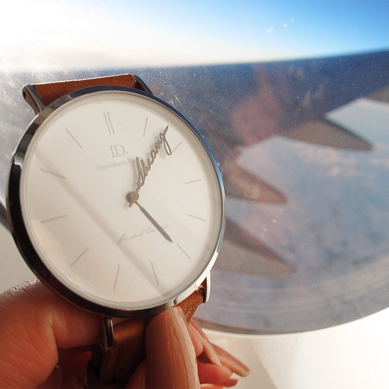 With ID. To travel, with their own light travel - classic leather