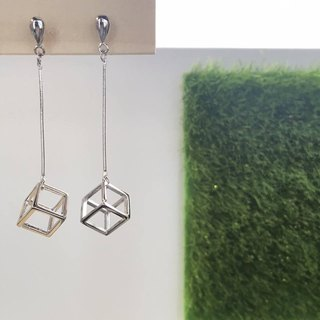 925 Sliver Dropped Cube Earrings