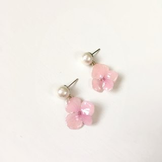 *Haku‧Neko*true perspective pink hydrangea Cotton beads hanging earrings (real flowers series)