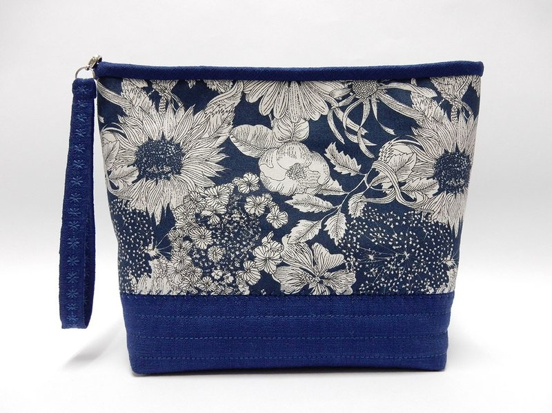 Navy blue printed of lined with resin cotton cosmetic bag / Multifunction bag / Handbag