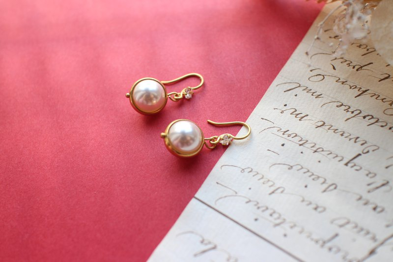 Love letter from the North-Brass zircon earrings