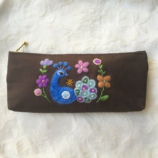 pencase/pouch of peacock