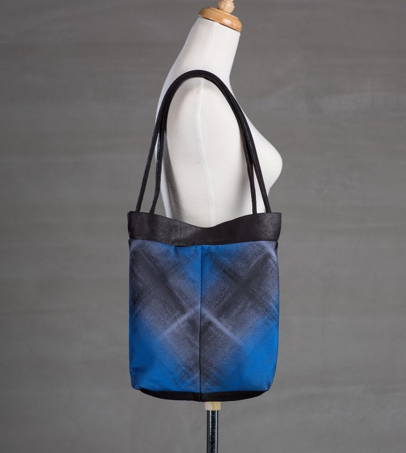Bag with Adjustable Straps