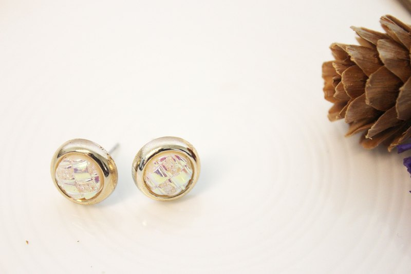 Laolin grocery Travelin-Shanghai old button series psychedelic forest white fungus ear clip l ear clip