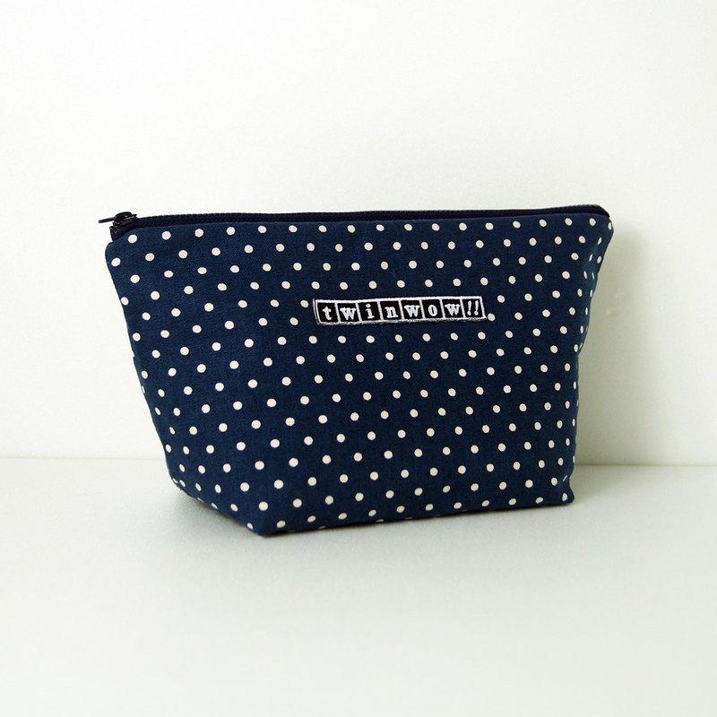 Intimate fashion - delicate texture cosmetic bag - little blue