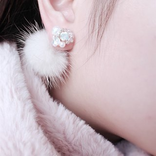 Handmade beaded Swarovski crystal pearl beads white hair ball Japanese anti-allergy ear / ear clip