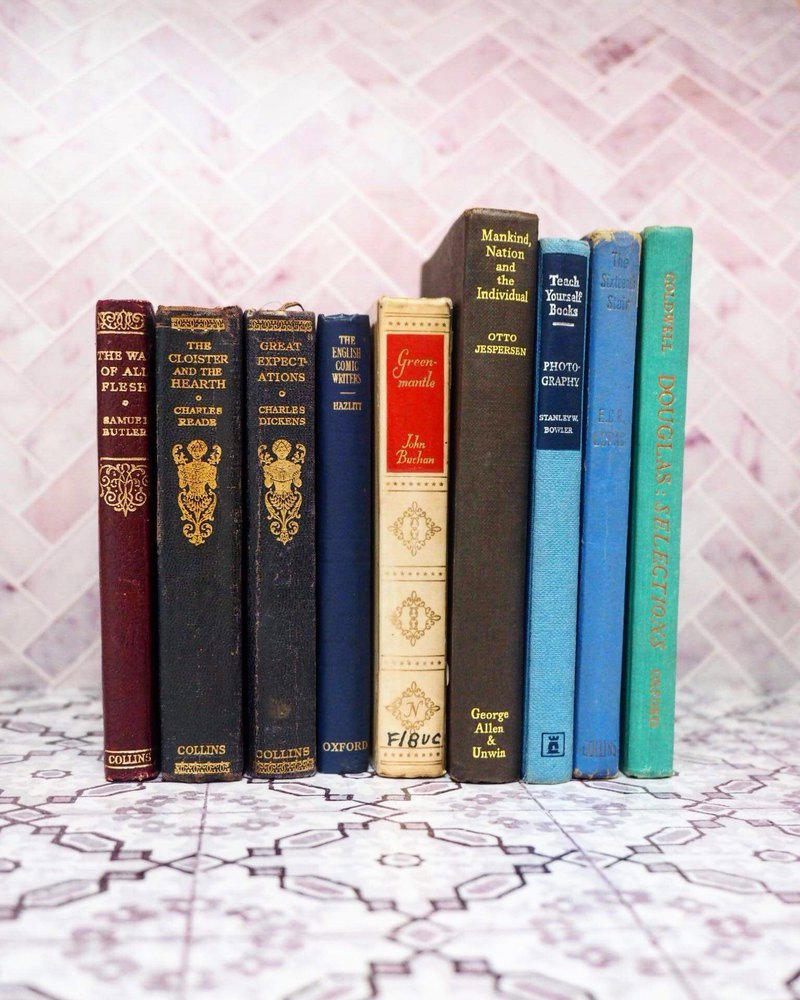 Blue series Antique old book The whole group A total of 9 shooting props, personal collections, situational furnishings