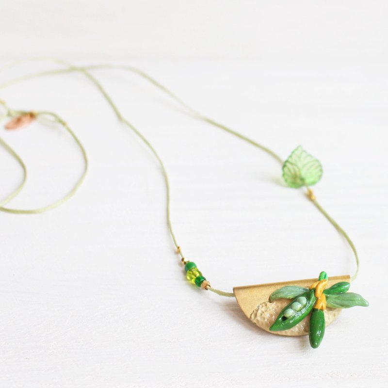 Green Soya Bean _ green flower Necklace I No. 85 Story_Romance Flowers