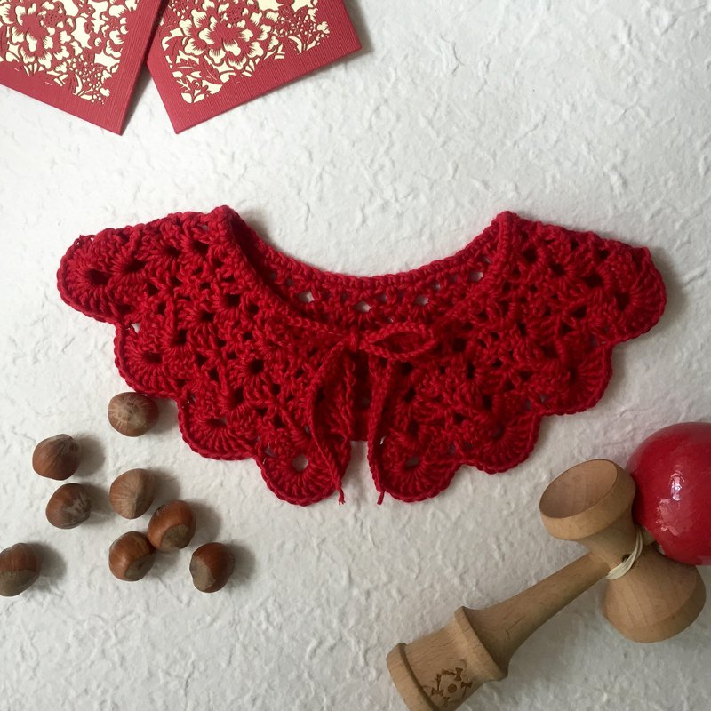 Organic cotton crochet collar (yr 3-12) Bright red