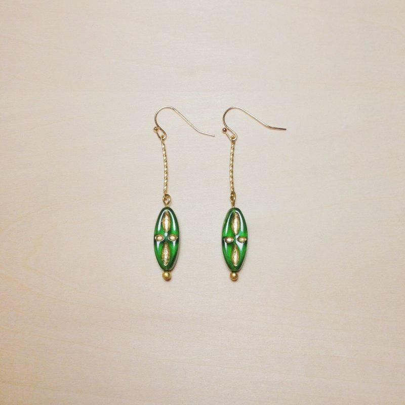 Vintage green long glass earrings