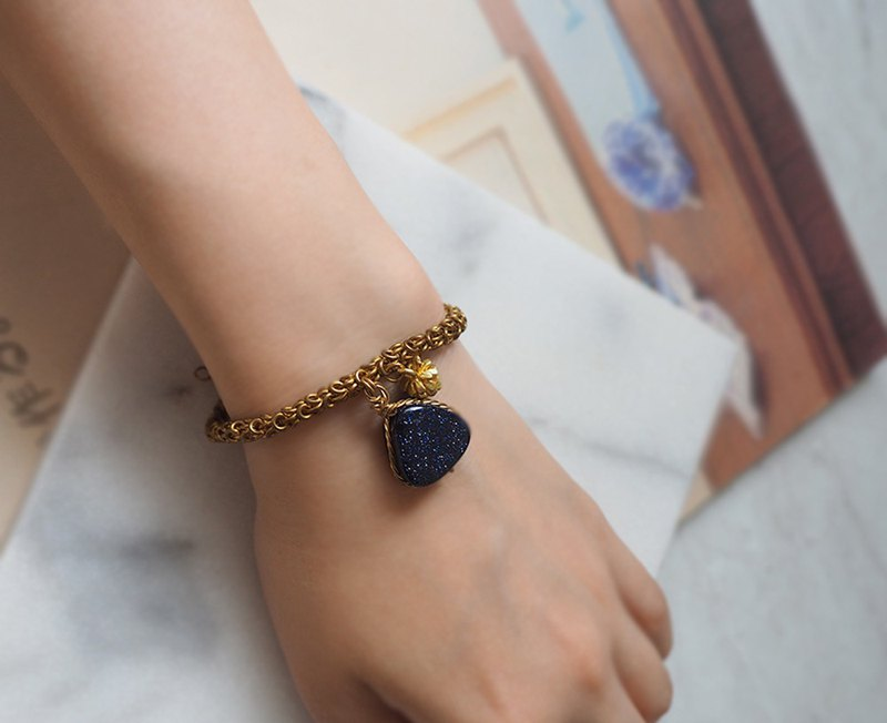 Triangular Blue Sandstone Semi-Precious Stones Pine Cone Light Jewelry Semi-Precious Stone Braided Bracelet Bracelet Light Jewelry B14
