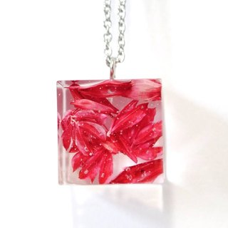 Colour Freak Studio Red Dried Flower Necklace / Cube pendant / Flower In Ice Series