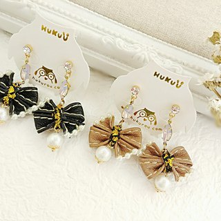HUKUROU mini leather bow earrings