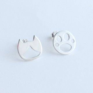 [Order production] Stud Earrings / Silver Cat (Hachiware) and meat balls motif Ashinmetoridezain