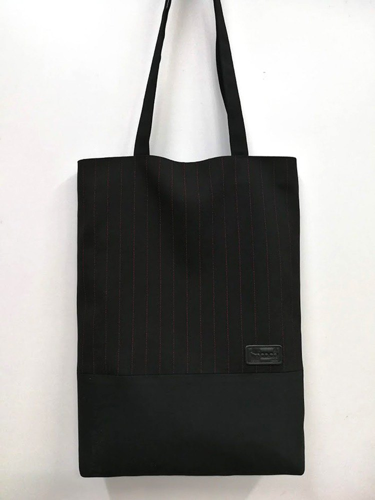 Original exquisite shoulder bag / Tote bag / A4 can be placed / black red bar AL08-001 (the only product)