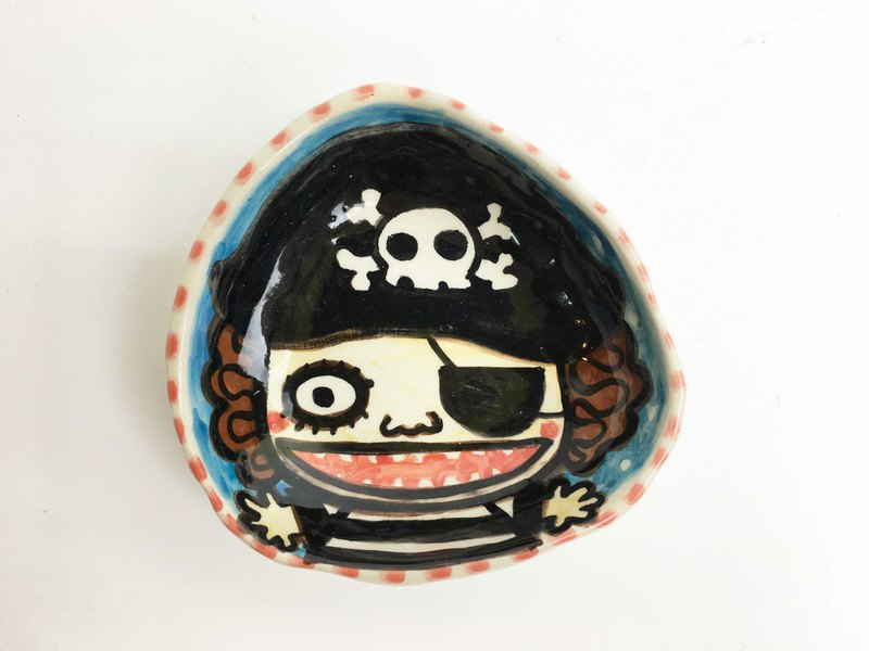 Nice Little Clay hand-painted small plate _ pirate boy 0304-08