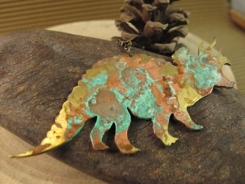 [Dinosaur friends - Triceratops necklace]