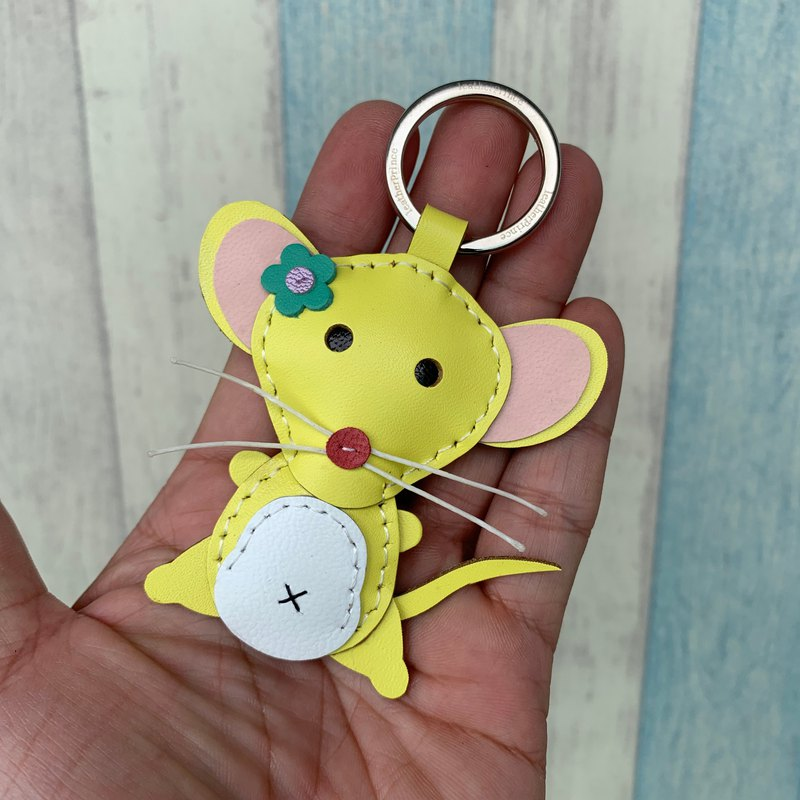 Healing small yellow cute mouse hand-sewn leather key ring small size