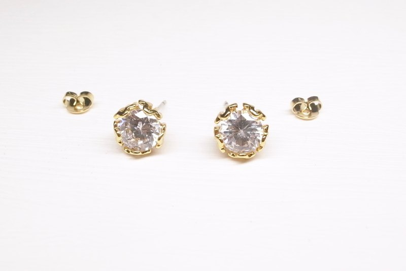 """Two silver"" [brass plated 18K gold + retro petal zircon earrings] (one pair)"