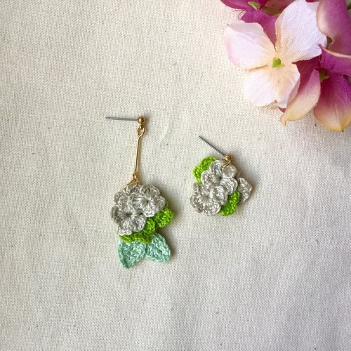 Xiaoyi Mao siaoyimao Hydrangea series earrings / stainless steel ear pin / can be changed clip