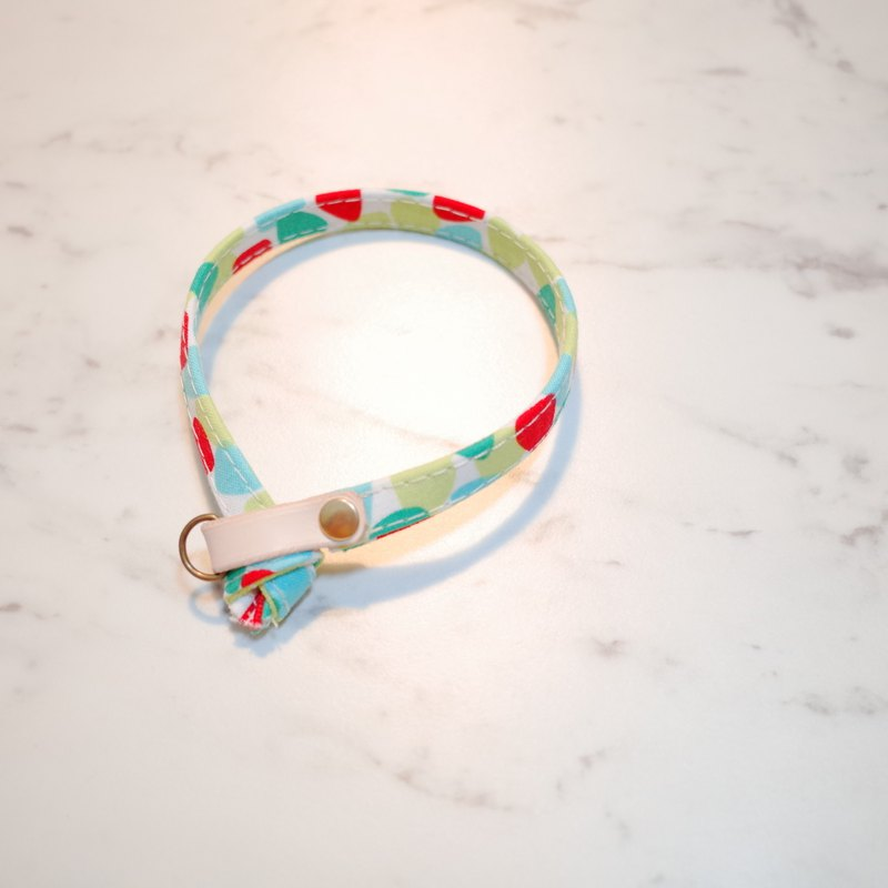 Cat collar lively pebbles green apple green red can add tag with bell