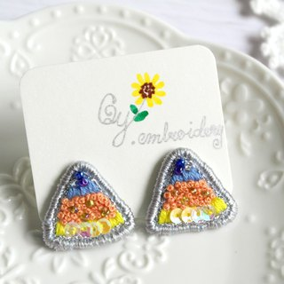 Qy.embroidery blue orange contrast color triangle beads hand-embroidered earrings ear clip