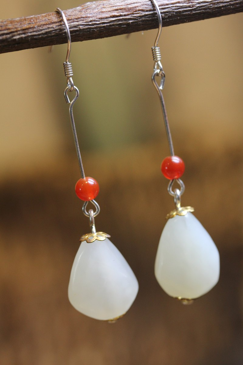 Hotan hand polished polished white jasper jasper earrings ladies earrings Chinese style ear jewelry s925 silver earrings