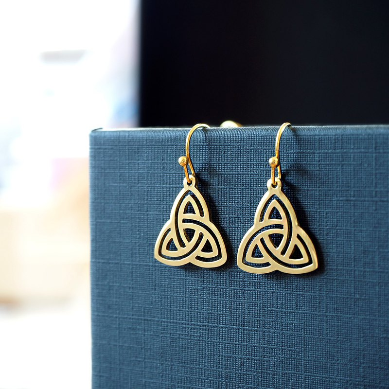 Triquetra ornament earrings (brass hand made)