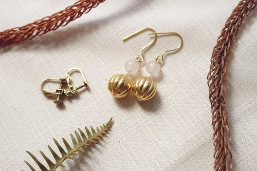 // Golden goddess pearl earrings / ve013