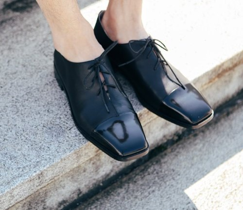 Minimalist square personality strap leather shoes Oxford black mirror stitching men models