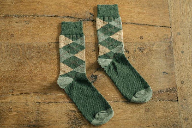 林果良品 蘇格蘭菱格紳士襪 森林綠