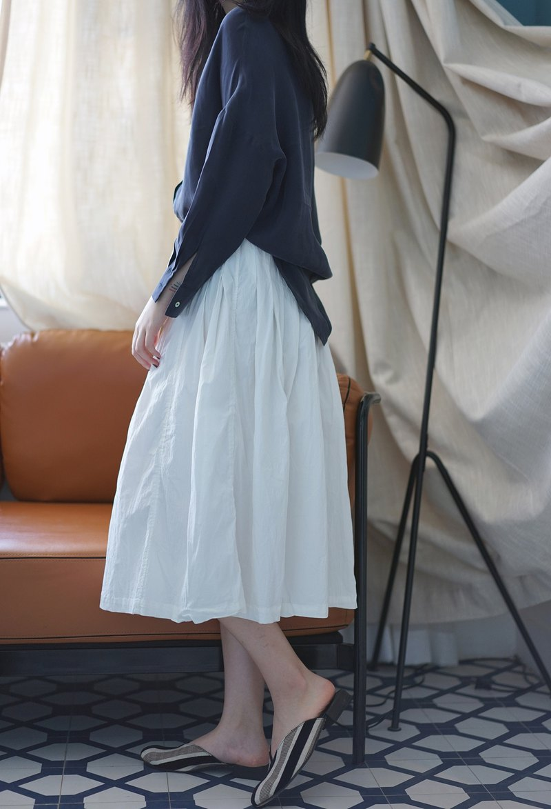 ee18/ Ruffle Skirt (white)