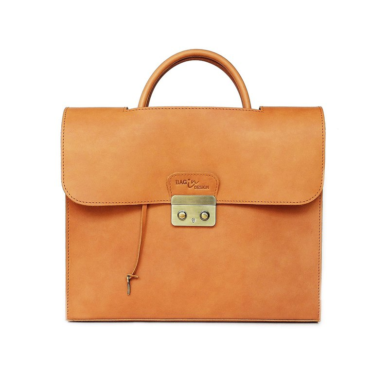 Develop Briefcase Tan The Gentlemen Bag is made by vegetable leather