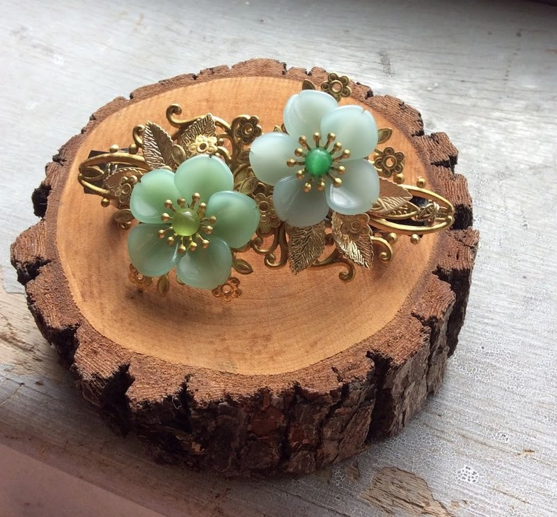Handmade ~ Peach Blossom Big Hair Clip / Gold Bottom (Original Copper) / Green
