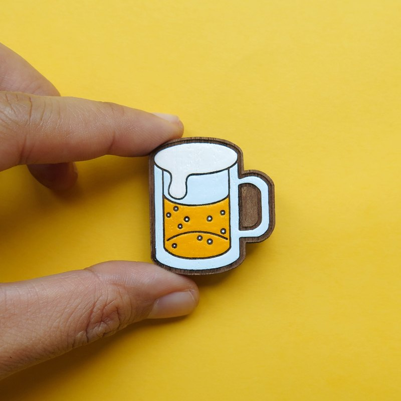 Wooden Brooch Beer