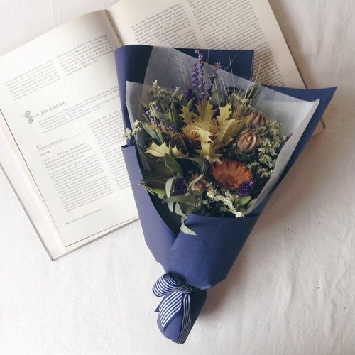 Dried flower graduation bouquet (medium bouquet)